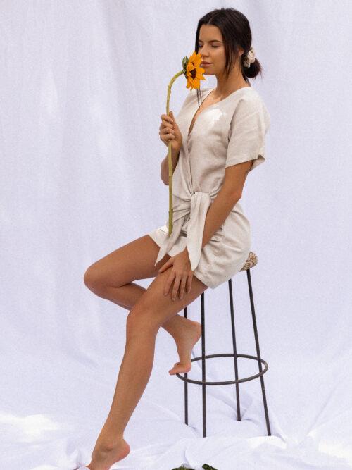 Vestido em Linho e Viscose Amarração Lateral Bege