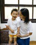 Camiseta Infantil Branca Com Bordado Gatinho Vermelho