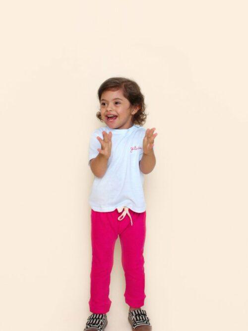 Camiseta Bebê Branca Com Bordado Vermelho Gatinha