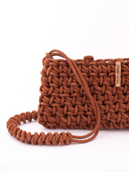 Clutch Crochê Casuarina Tanino – Com Alça