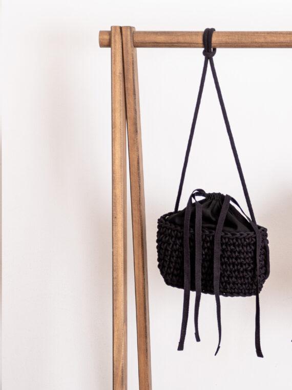 bolsa-estruturada-preta-pequena