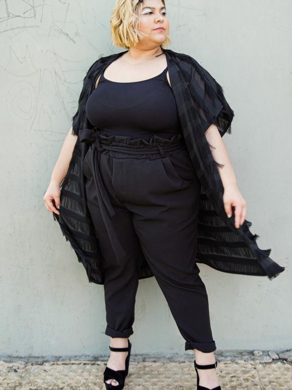 ALT-Essencia-Kimono-Franjas-Preto-Plus-Size-2