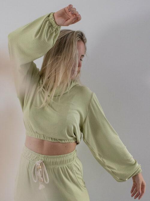 Blusa Cropped Canelada Verde Claro Upcycle