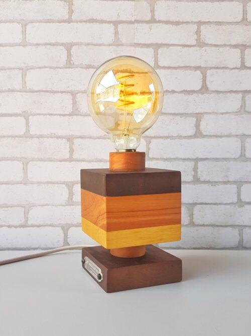 Luminária Industrial em Madeira Moderna com Lâmpada Amostra Quadrada Fio Bege